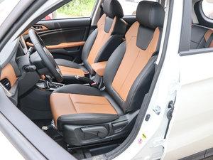 2017款1.6L 自动铂锐版 前排座椅