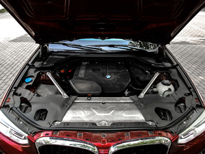 2018款xDrive 30i M运动套装 发动机