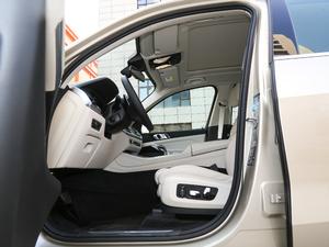 2019款xDrive40i 尊享型 M运动套装 前排空间