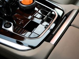 2019款xDrive40i 尊享型 M运动套装 驻车制动器