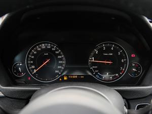 2019款330i xDrive M 运动型 仪表