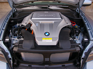 2010款4.4T 发动机