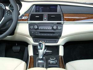 2010款4.4T 中控台