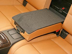 2011款335i 敞篷轿跑车 手套箱