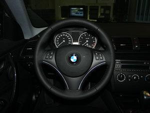 2011款120i 方向盘