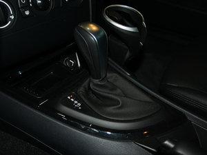 2011款120i 变速挡杆