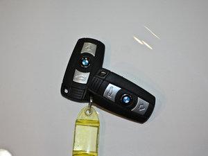 2011款120i 钥匙