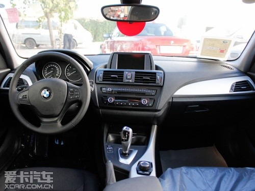 宝马1系运动型两厢轿车,那种独一无二的感觉只有一系列同样的设计