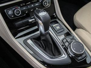 2015款218i 运动设计套装 变速挡杆