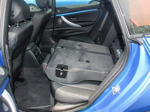 2017款330i xDrive M运动型 后排座椅放倒