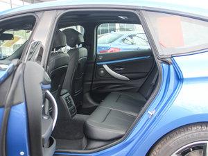 2017款330i xDrive M运动型 后排空间