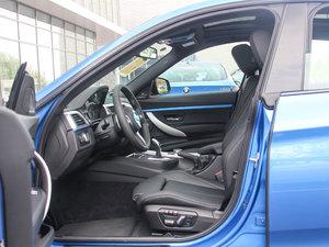 2017款330i xDrive M运动型 前排空间