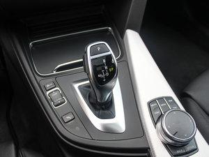 2017款330i xDrive M运动型 变速挡杆