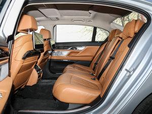 2017款730Li 豪华型 后排空间