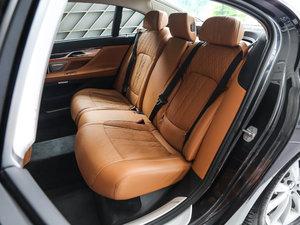 2017款730Li 豪华型 后排座椅放倒