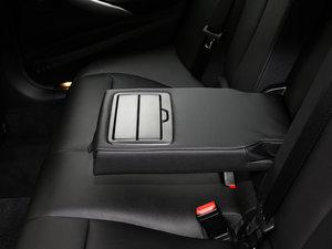 2017款340i xDrive M运动型 后排中央扶手