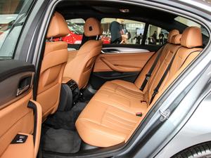 2017款525i M运动套装 后排空间