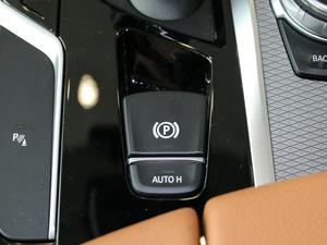 2017款525i M运动套装 驻车制动器