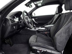 2018款M240i 空间座椅