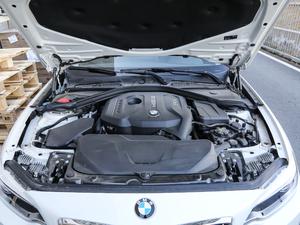 2018款220i 运动设计套装 发动机