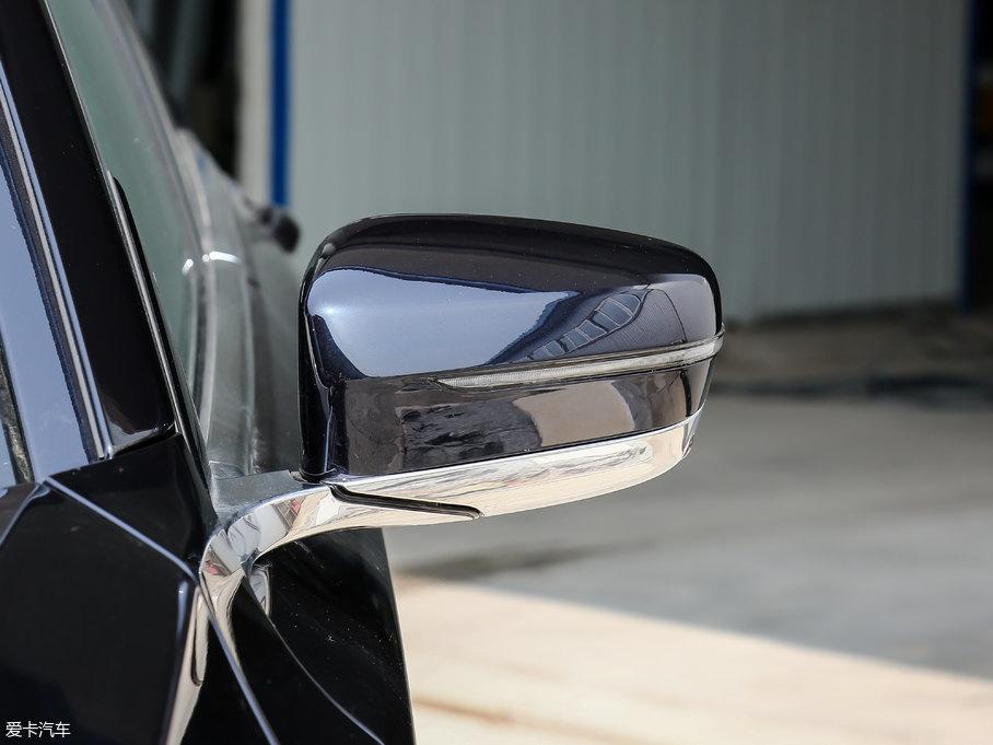 2018款宝马7系730Li 尊享型 M运动套装