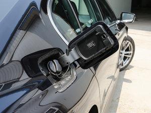2018款730Li 尊享型 M运动套装 油箱盖打开