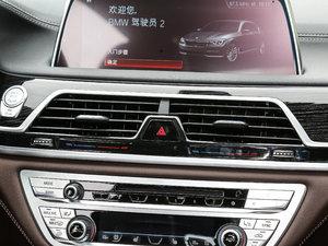2018款730Li 领先型 M运动套装 中控区