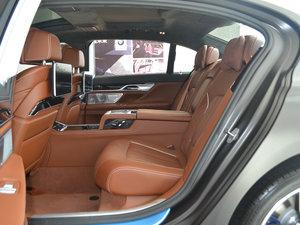 2018款M760Li xDrive 后排空间