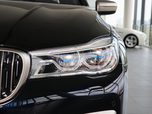 2018款M760Li xDrive 卓越奢华版 头灯