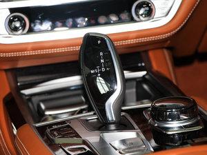 2018款M760Li xDrive 卓越奢华版 变速挡杆