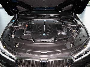 2018款M760Li xDrive 卓越奢华版 发动机