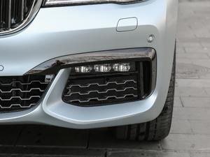 2018款740Li xDrive 40周年特别版 雾灯