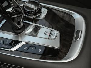 2018款740Li xDrive 40周年特别版 驻车制动器
