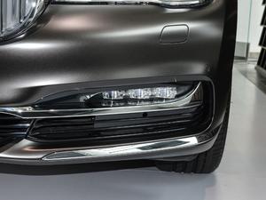 2018款740Li xDrive 尊享型 卓越套装 雾灯