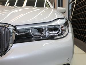2018款730Li 领先型 卓越套装 头灯