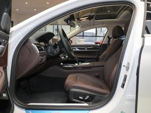 2018款730Li 领先型 卓越套装 前排空间