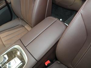 2018款730Li 领先型 卓越套装 前排中央扶手