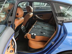 2018款330i xDrive M 运动型 后排座椅放倒