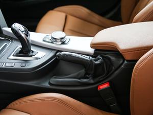 2018款330i xDrive M 运动型 驻车制动器