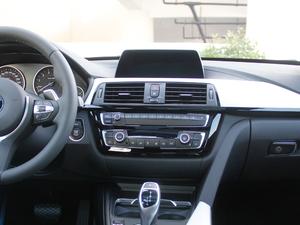2018款320i M 运动型 中控台