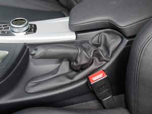 2018款320i M 运动型 驻车制动器