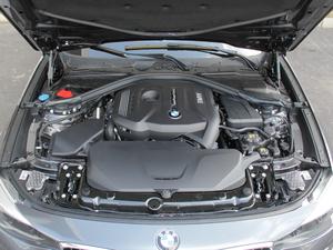 2018款320i M 运动型 发动机