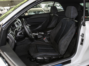 2018款225i 敞篷轿跑车 M运动型 前排座椅