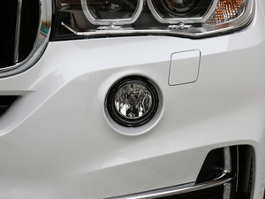 2018款xDrive28i 雾灯