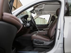 2018款xDrive28i 前排空间