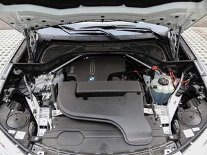 2018款xDrive28i 发动机