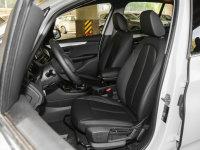 空间座椅宝马2系多功能旅行车前排座椅