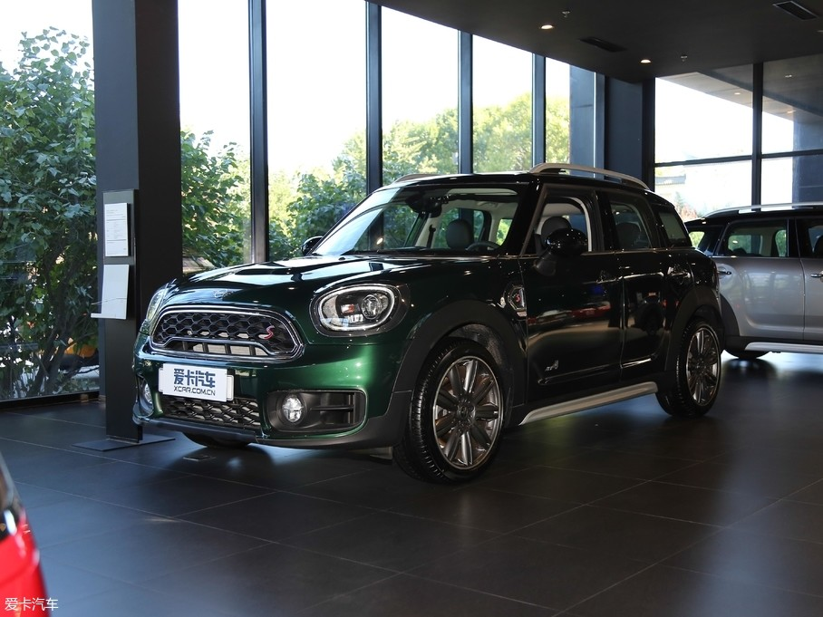 2018款MINI COUNTRYMAN2.0T COOPER S ALL4 艺术家