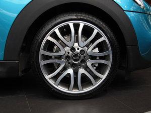 2017款3-DOOR COOPER 加勒比蓝限量版 轮胎