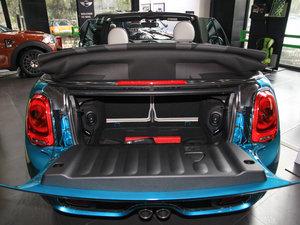 2017款3-DOOR COOPER 加勒比蓝限量版 行李厢空间